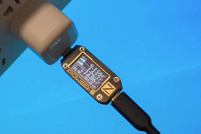小巧輕便。極速充電。圖拉斯18W mini PD充電器上手體驗 - 每日頭條