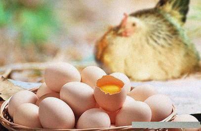 教你水煮蛋的三個妙招。煮出的雞蛋香嫩不沾殼。剝出完美水煮蛋! - 每日頭條