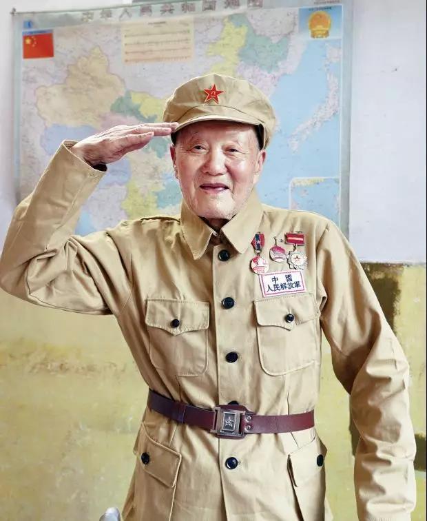 藏了63年報功書的共和國勳章獲得者:張富清 - 每日頭條