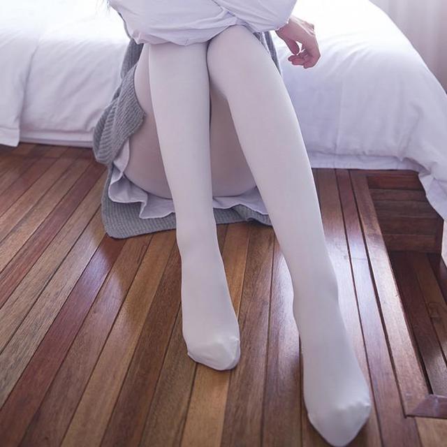 勾絲起球的打底襪別穿了,今年流行性感的瘦腿襪 - 每日頭條