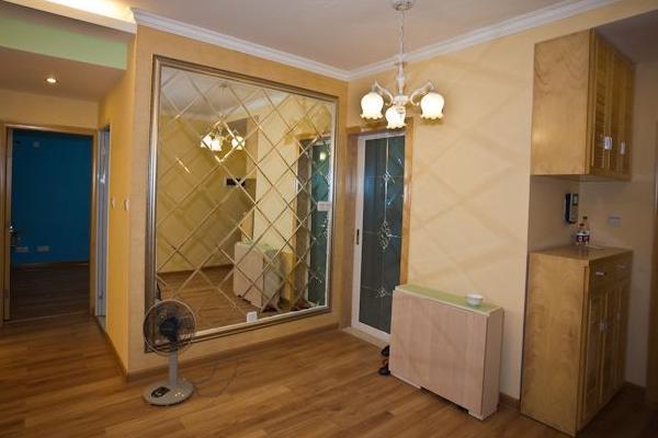 鏡子對著門好不好 鏡子對著門化解方法 - 每日頭條
