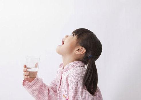 感覺嗓子裡總有痰?不妨試試中醫推薦的4個「祛痰穴」 - 每日頭條