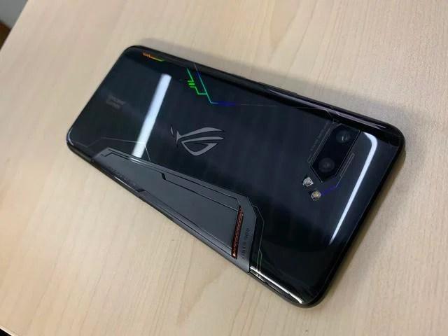 用機體驗。到底值不值得買號稱最強遊戲手機ROG遊戲手機2 - 每日頭條