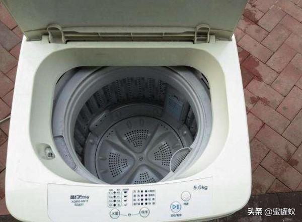 終於找到洗衣機脫水時聲音大原因了,看看您都知道嗎? - 每日頭條