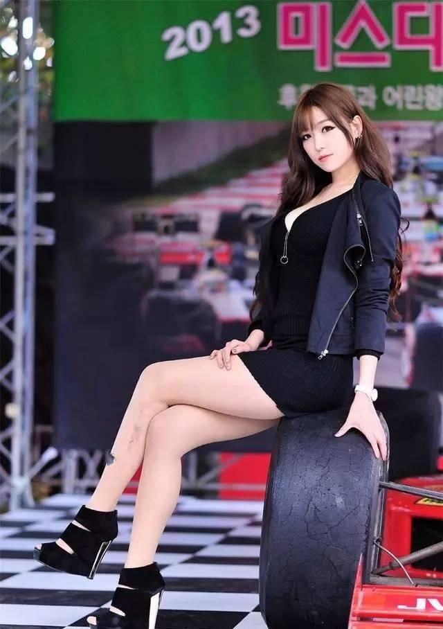Hi Girl 第102期 韓國性感車模身材凹凸有致 - 每日頭條