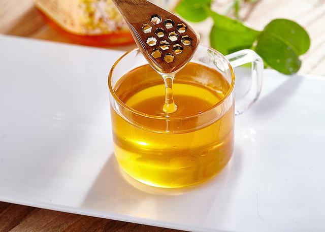 蜂蜜是天然的滋補品。吃蜂蜜有什麼好處。如何分辨蜂蜜的真假? - 每日頭條