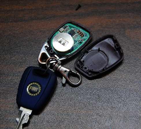 「汽車遙控鑰匙沒電了咋辦」?老司機教你技巧 - 每日頭條