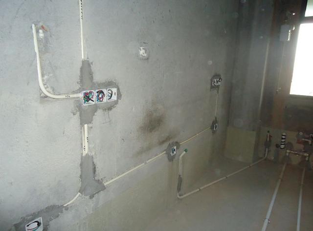 衛生間水管走明管好還是暗管好?聽了師傅的話。後悔知道的太晚了 - 每日頭條