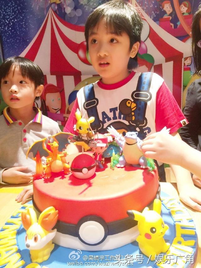 吳鎮宇為兒子費曼慶祝8歲生日。Feynman越長越帥啦! - 每日頭條