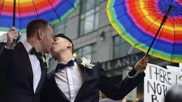 美國研究發現同性婚姻合法後青少年的自殺率大幅降低 - 每日頭條
