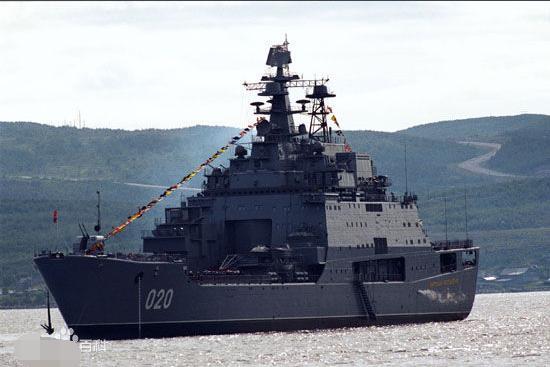 中國兩棲作戰最強武器內部指揮艙曝光。炮塔科幻 可吞50輛戰車 - 每日頭條