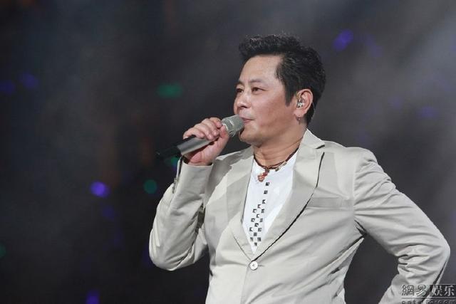 王傑宣布退出歌壇!嗓子被人下毒失聲。貴圈好可怕! - 每日頭條