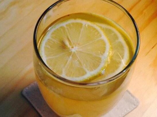蜂蜜檸檬水可以放多久 蜂蜜檸檬水怎麼保存時間長 - 每日頭條