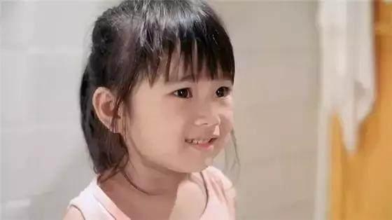 還記得那個飾演王傑女兒的小女孩嗎?四歲就差點拿了金馬獎 - 每日頭條