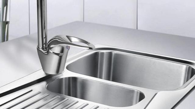rustic kitchen sink cape cod design 厨房的水槽这样选购 多用个20年一点问题没有 每日头条 自古以来 中国就是一个以美食文化源远流长的国家 食物也是我们健康的保障 食物的烹调离不开厨房 更离不开水槽 毕竟烹饪食物之前必须要清洗 选择一款好的水槽为