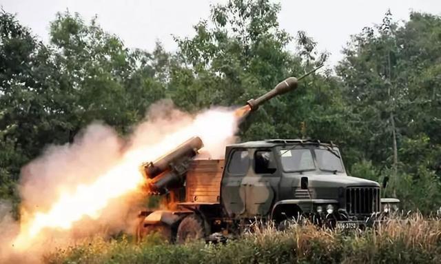中國新型掃雷車:造型怪異,幾十米外「隔山打牛」引爆地雷 - 每日頭條