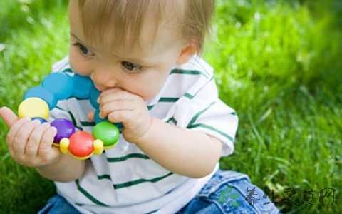 寶寶怎麼玩瑜伽球 - 每日頭條
