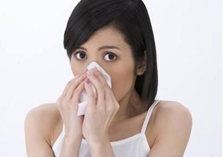 鼻子很癢一直打噴嚏流鼻涕的原因 - 每日頭條
