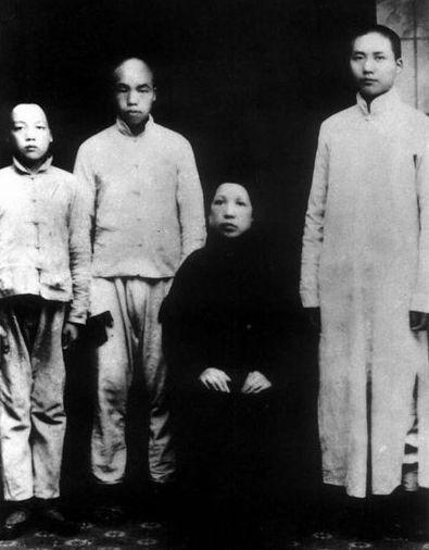 紅星照耀中國:毛主席照片大全。有幾張還沒有見過 - 每日頭條