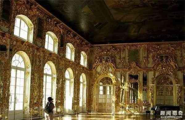 震驚俄羅斯!小孩在皇宮大廳小便 3百年來首次 - 每日頭條