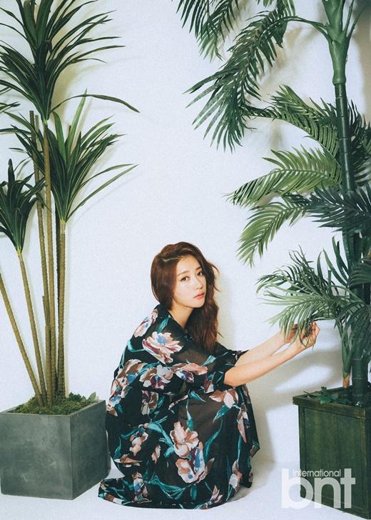 演員鄭彩琳拍bnt寫真 柔情清新與高冷性感並存 - 每日頭條