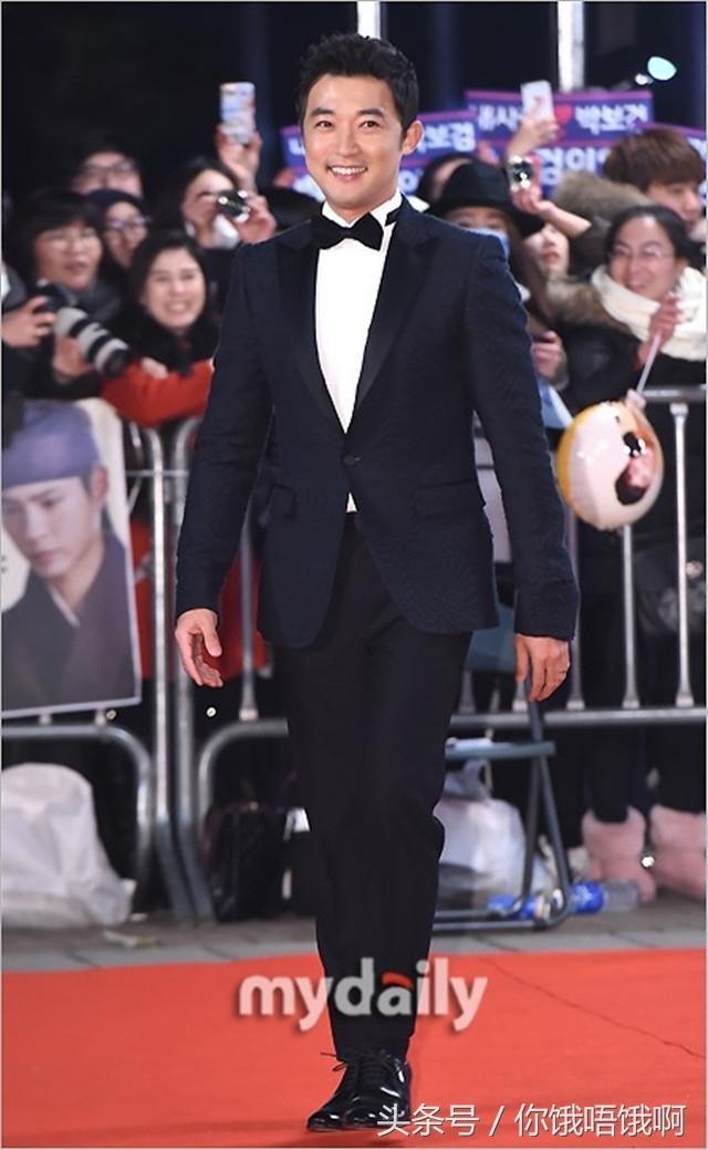 2016韓國SBS演技大賞 宋慧喬宋仲基李敏鎬金智媛安在旭! - 每日頭條
