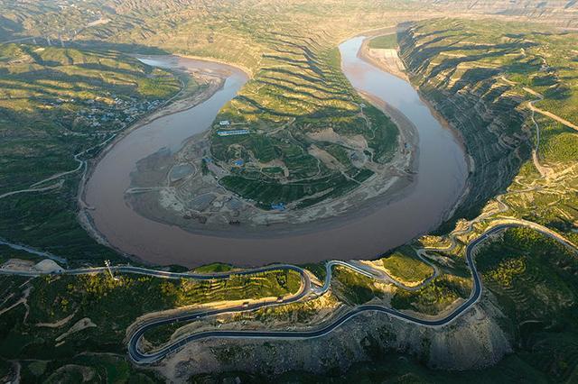 中國的一號公路。陝西沿黃公路。自駕旅遊愛好者的狂歡時刻 - 每日頭條