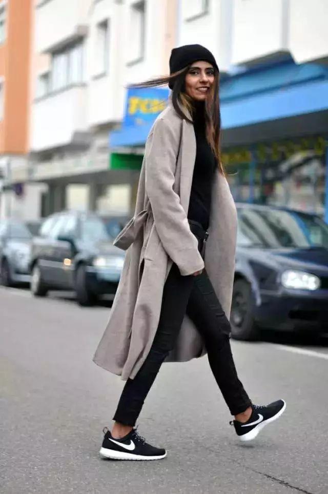 矮個子女生按這種方式穿長大衣,居然變得這麼好看! - 每日頭條