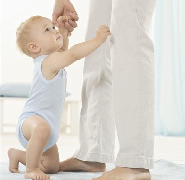 媽媽別急。寶寶突發癲癇。你該這樣幫助他 - 每日頭條