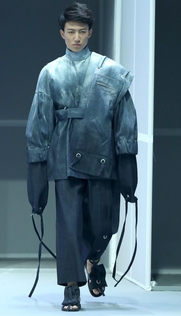 北京服裝學院服裝藝術與工程學院畢業生作品發布會在京舉行 - 每日頭條