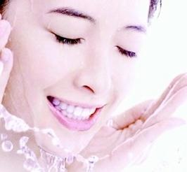 怎樣才算把臉洗乾淨?你真的會洗臉嗎? - 每日頭條