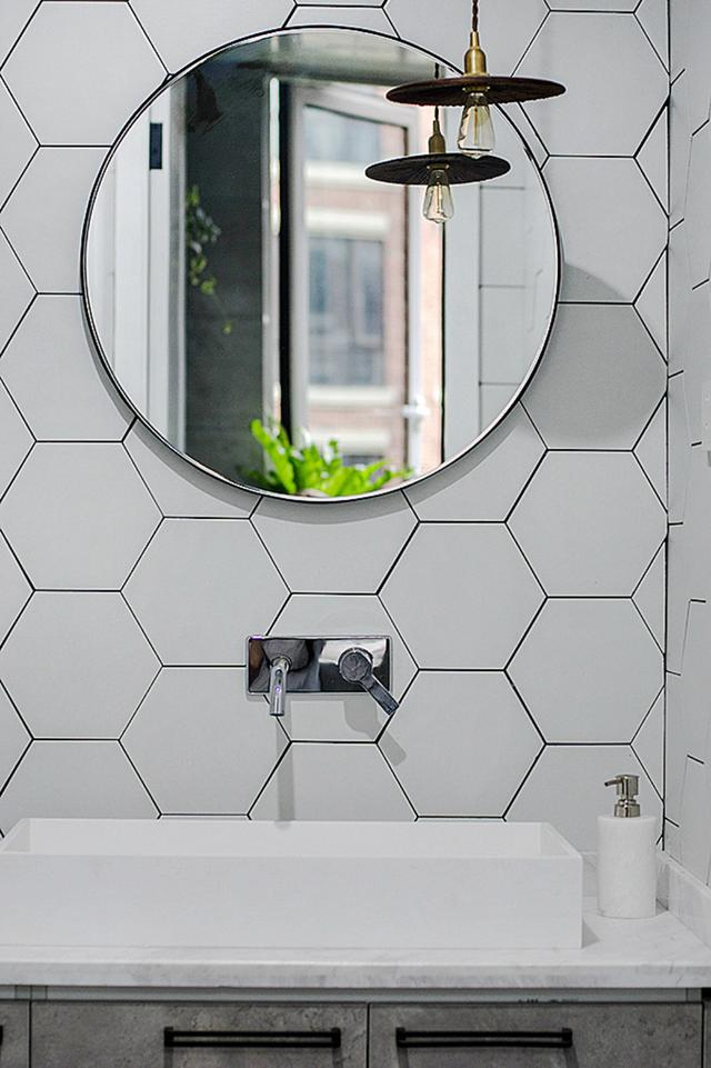 衛生間最潮濕。定製浴室櫃如何選材?這些地方千萬要注意! - 每日頭條