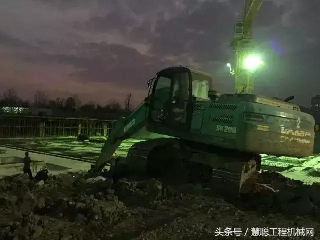 挖掘機行業的好處知多少?其實不少人都是奔著它來的! - 每日頭條