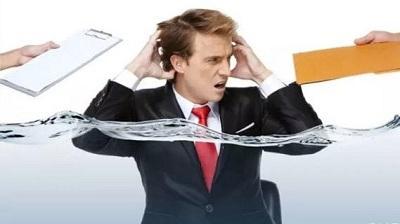 吸菸治頭疼?醫生:別犯二。吸菸保證讓你頭更疼。試試這4個動作 - 每日頭條