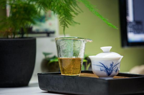 中醫名家解讀不同體質該喝哪種茶。快來對號入座 - 每日頭條