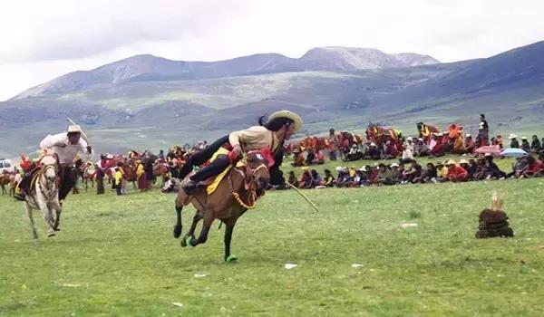 海拔4000多米,比拉薩還要高的城市,連六世達賴喇嘛也嚮往這裡 - 每日頭條