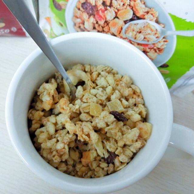 再忙也要好好吃早餐。超IN多種花樣吃法的果乾燕麥 - 每日頭條