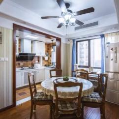 Kitchen Table Nook Cafe Themed Decor 厨房太小 设计师竟让我把冰箱放在这儿 太方便了 每日头条 不要把厨房的空间占用了 可以把冰箱放在餐桌旁的角落里 这样就不会占用厨房的面积啦