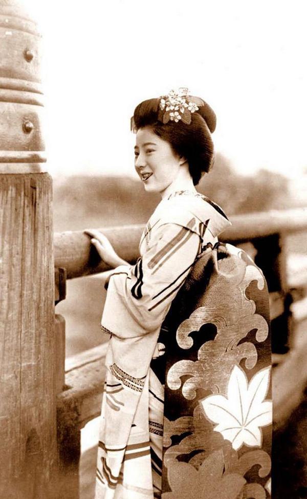 日本藝妓老照片。留住那一抹艷 - 每日頭條