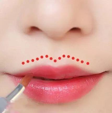 馬麗因嘴凸錯失女一號。高圓圓、娜扎20就有法令紋。嘴凸還有救嗎 - 每日頭條