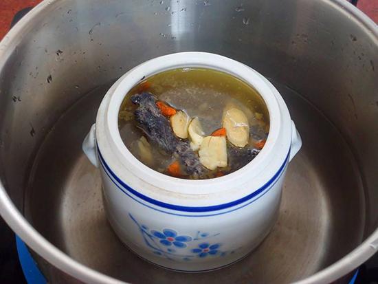 隔水燉湯與直接煲湯哪個好? - 每日頭條