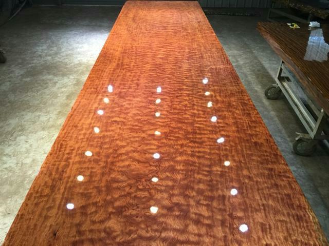 看看南北方如何正確選擇實木大板。大板開裂應該怎樣去處理 - 每日頭條