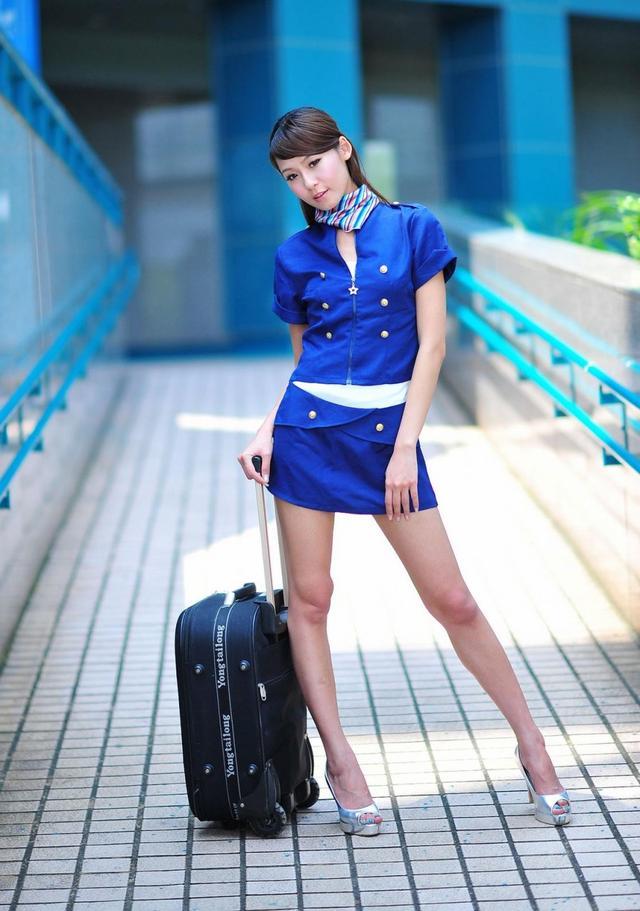 喜歡短裙,讓性感身材美一夏! - 每日頭條