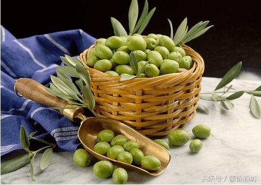 泡橄欖用什麼酒好,和胃化濕。 性平,橄欖酒的製作方法 - 每日頭條