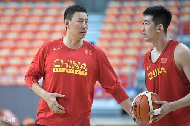 李楠兒子身高或接近姚明,而且表現很出色,清盤官接管公司後,被認為是男籃未來領袖 - 每日頭條