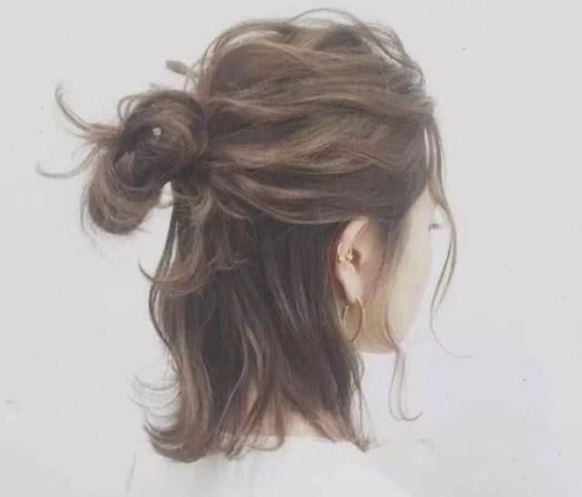 2019夏季女生流行髮型。3款美到極致的髮型。浪漫更顯氣質 - 每日頭條