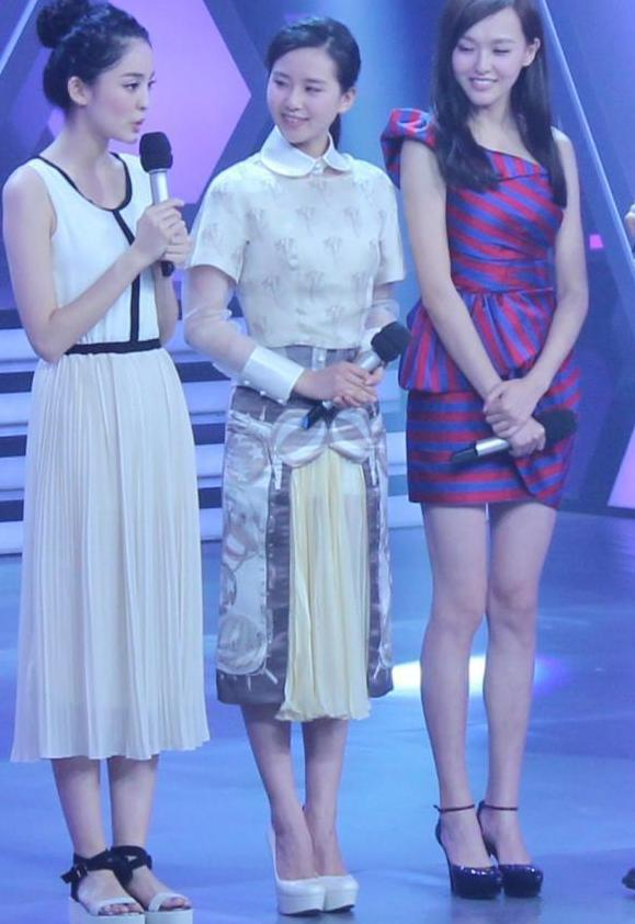娛樂圈的九頭身女星,長著150的臉型,身高卻個個超過170 - 每日頭條