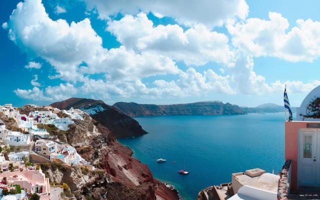 聖托里尼島雖然面積不大。卻是希臘最著名的島嶼之一。聖托里尼由三個小島組成 - 每日頭條