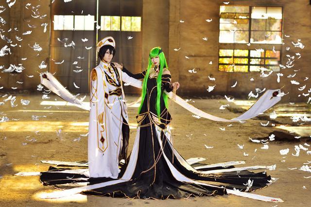 攝影圖集:反叛的魯魯修COS,這難道是傳說中國王和皇后的婚紗照 - 每日頭條