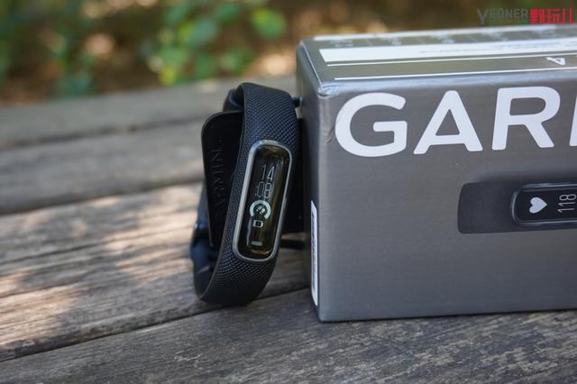Garmin vivosmart 4 上手評測:你的全天候健康管家已上線 - 每日頭條